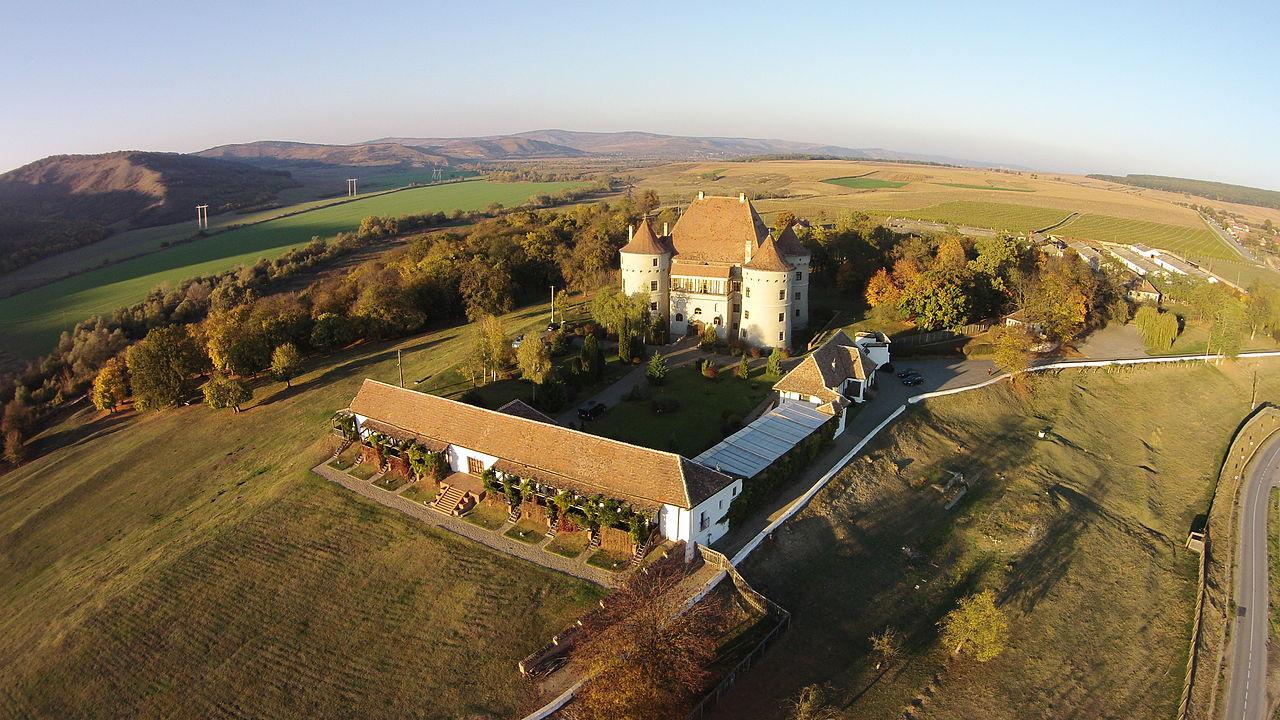 Castelul_Bethlen-Haller.JPG