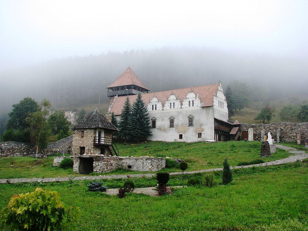 Castelul_Lazar_-_Gheorghieni.jpg