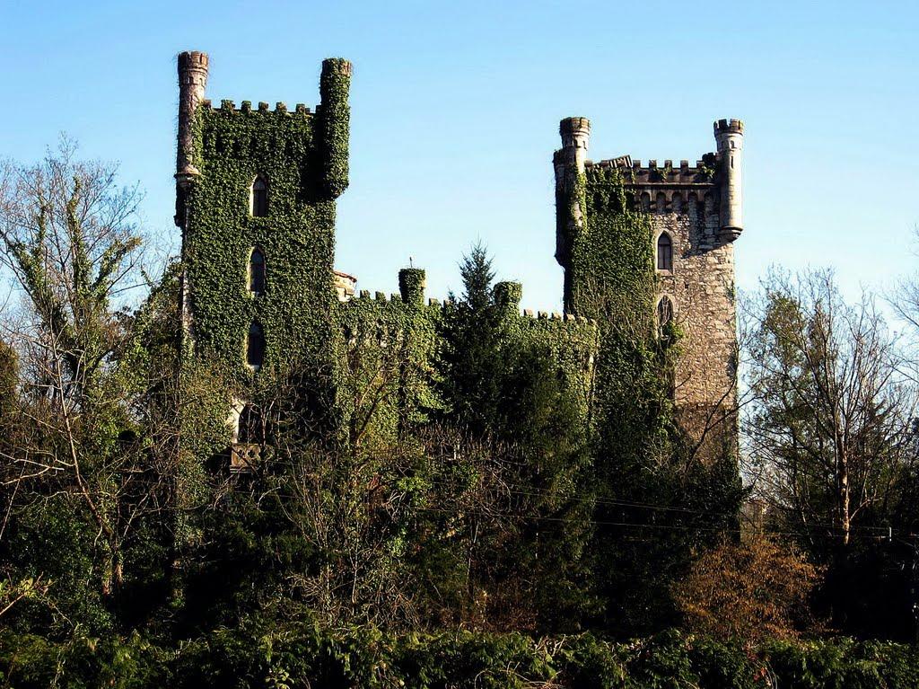 Castillo de las Caldas, Oviedo.jpg