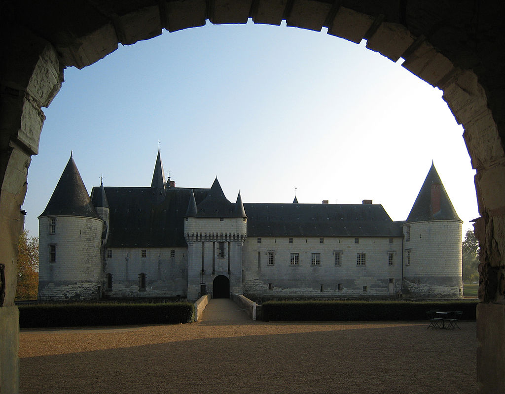 Castle_Plessis_Bourre_2007_01.jpg