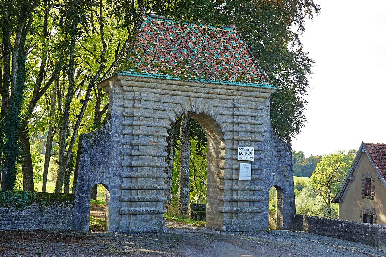 Château_de_Bournel_-_02.jpg