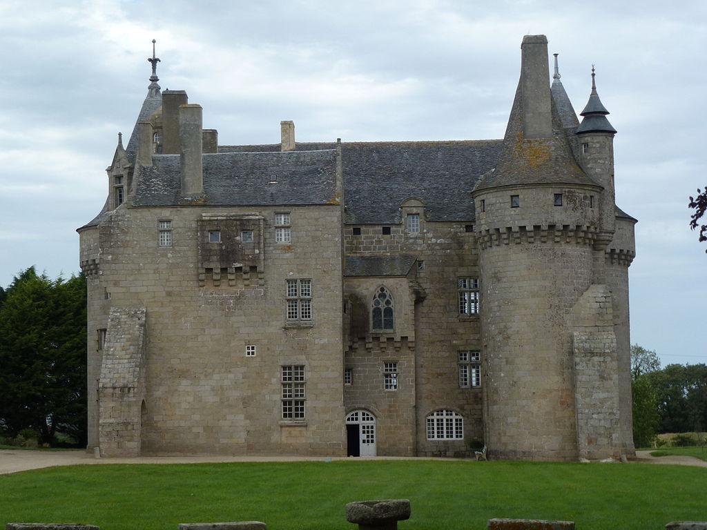 Château_de_Kérouzéré_(2).JPG