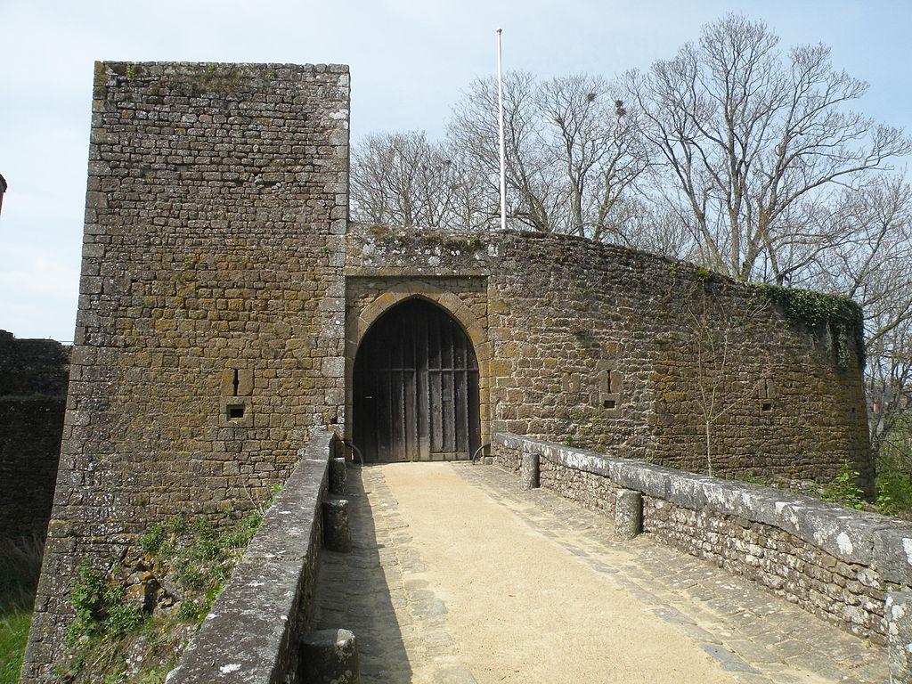 Château_de_Lassay_Mayenne_04.JPG