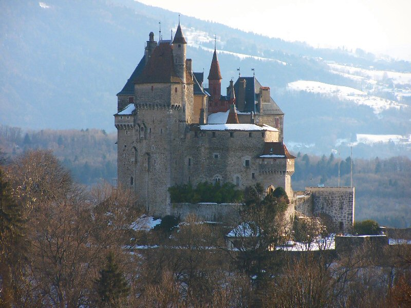 Château_de_Menthon-Saint-Bernard.jpg