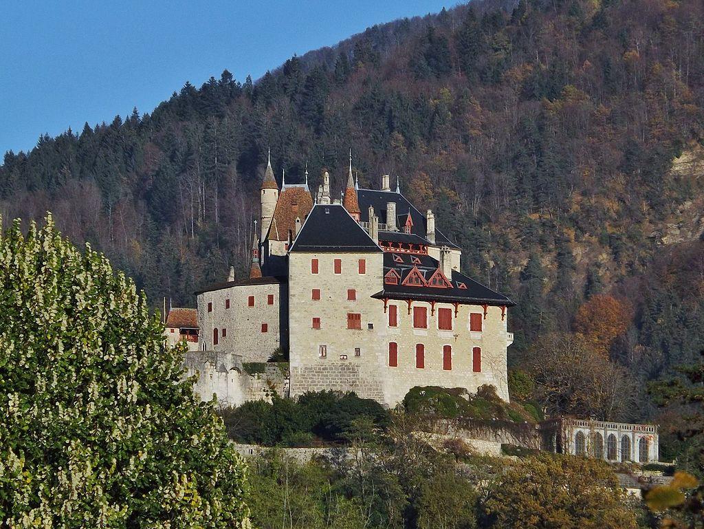 Château_de_Menthon-Saint-Bernard_(2013).JPG