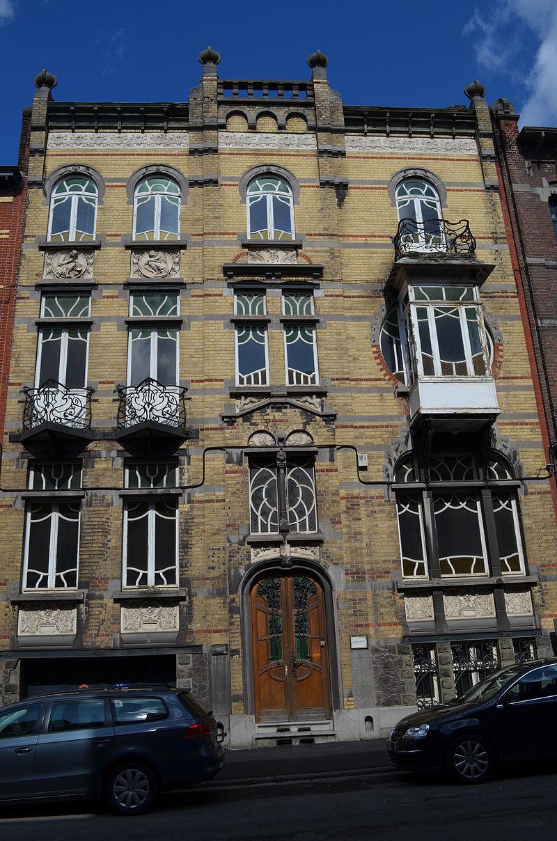 Charleroi_-_maison_des_médecins_-_01.jpg