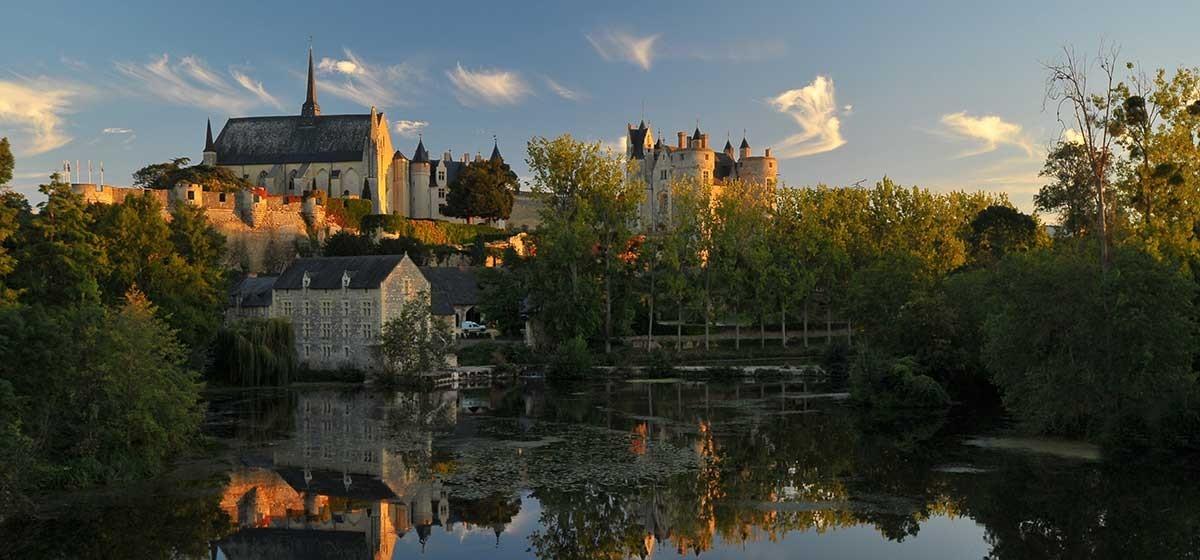 chateau-de-montreuil-bellay.jpg