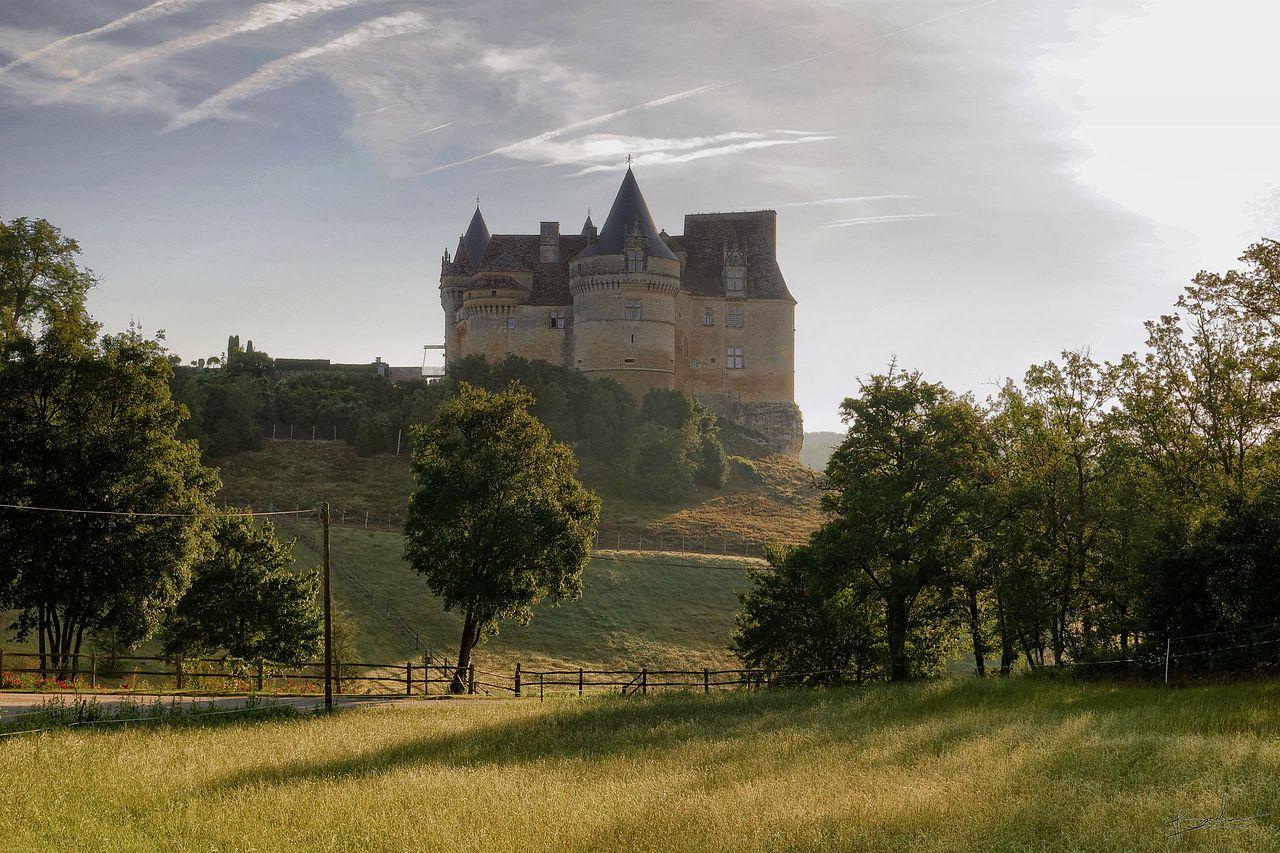 Chateau_de_bannes_2.jpg