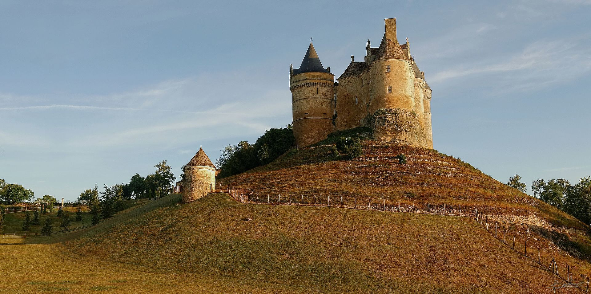 Chateau_de_bannes_4.jpg