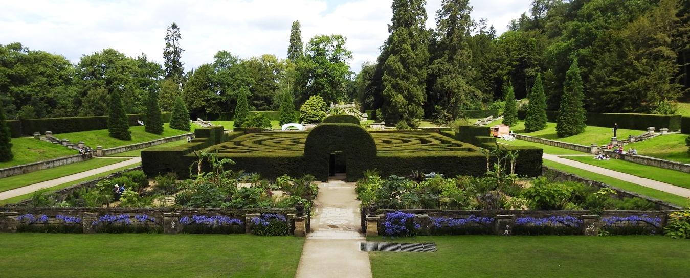 Chatsworth-Maze.jpg