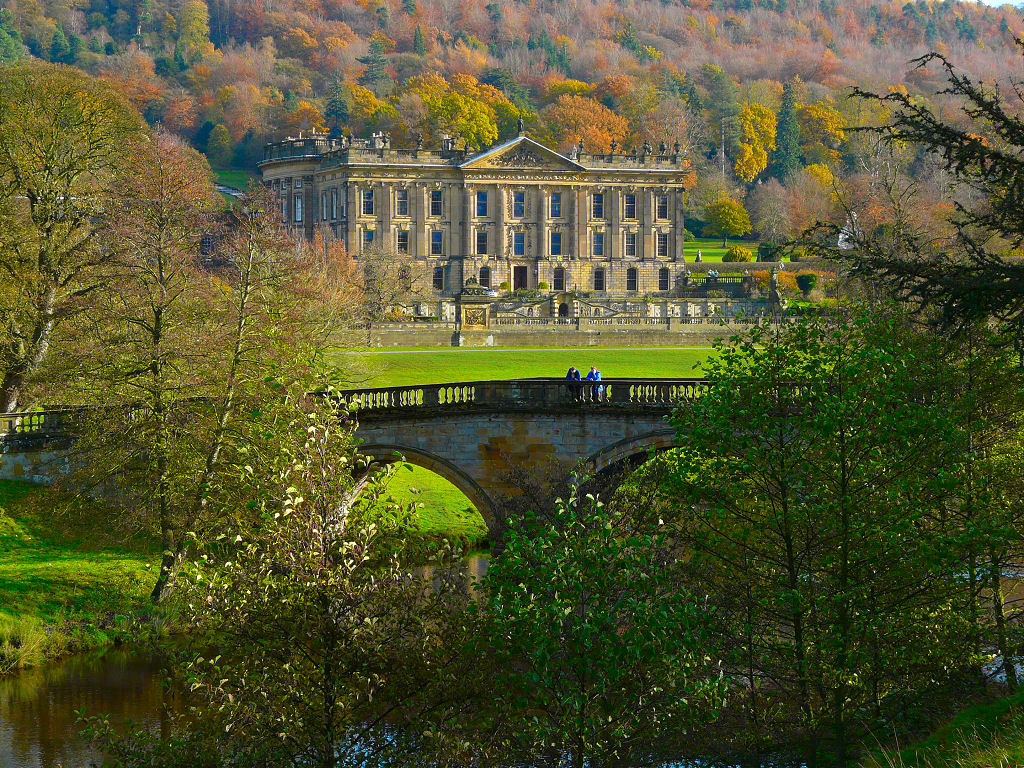 Chatsworth_House_and_Bridge.jpg