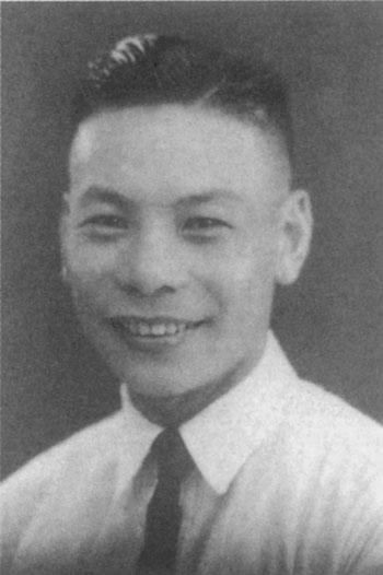 Chiang_Ching-kuo_youth_3.jpg