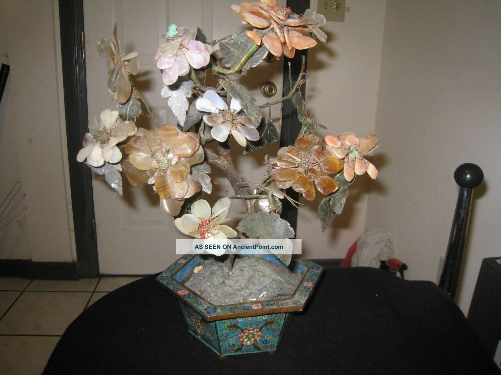 chinese_antique_jade_tree_with_cloisonne_pot_19th_century_1_lgw.jpg