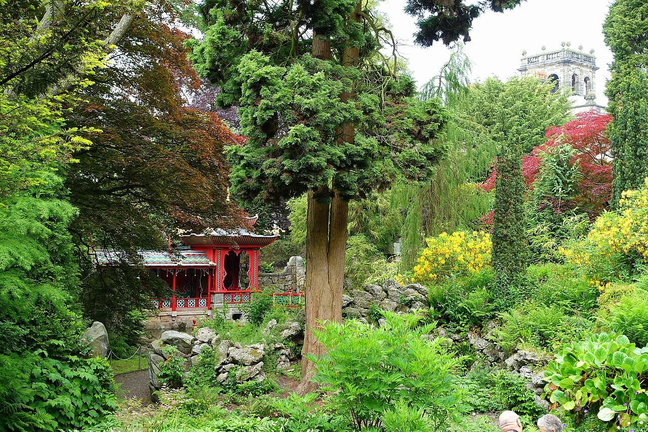 Chinese_Temple_-_Biddulph_Grange_Garden_-_Staffordshire,_England_-_DSC09371.jpg