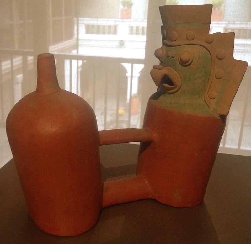 Chorrera_bottle_with_bird_statue.jpg
