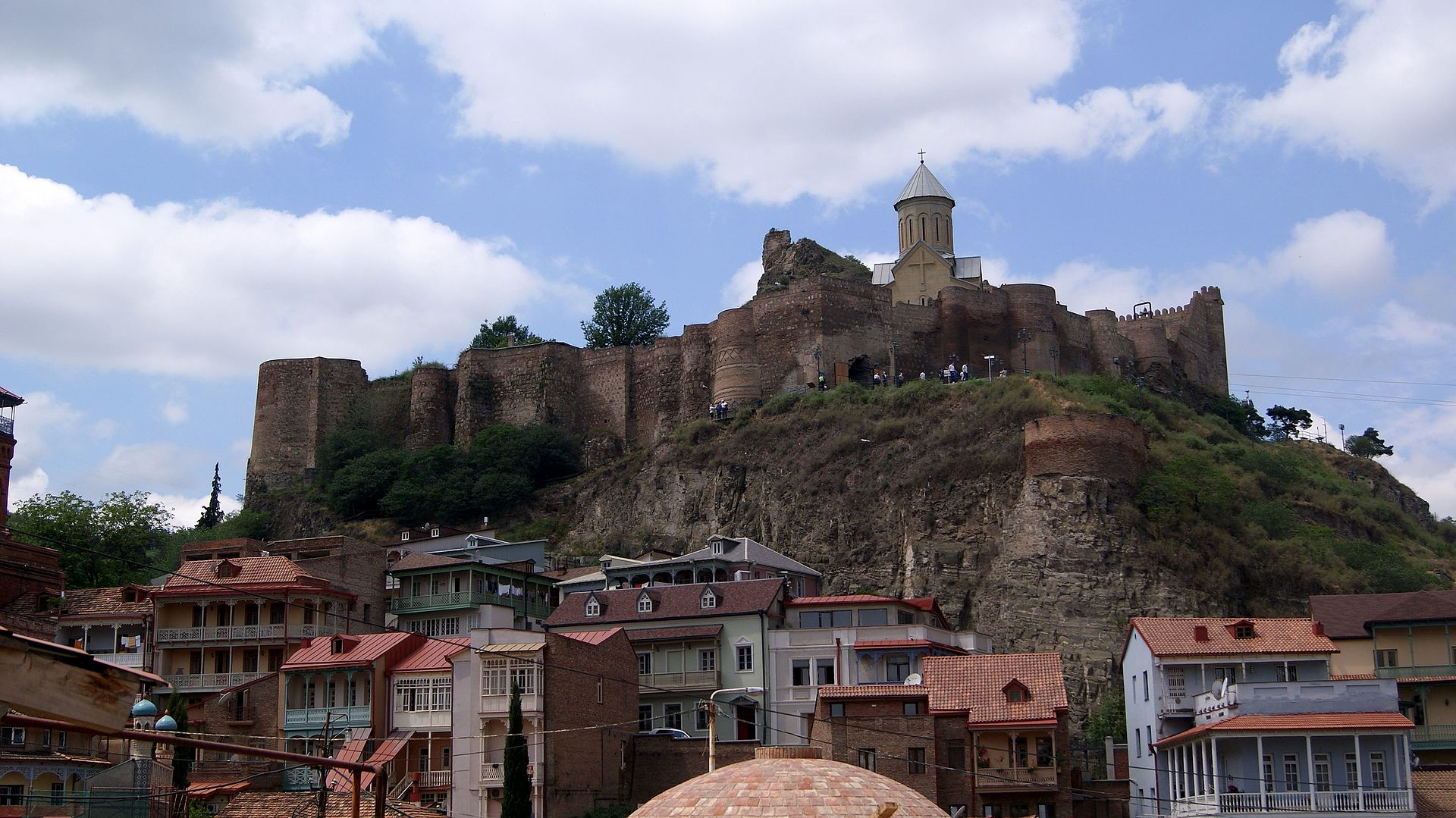 Churches_in_Old_Tbilisi,_ArmAg_(15) цитадель тбилиси.JPG