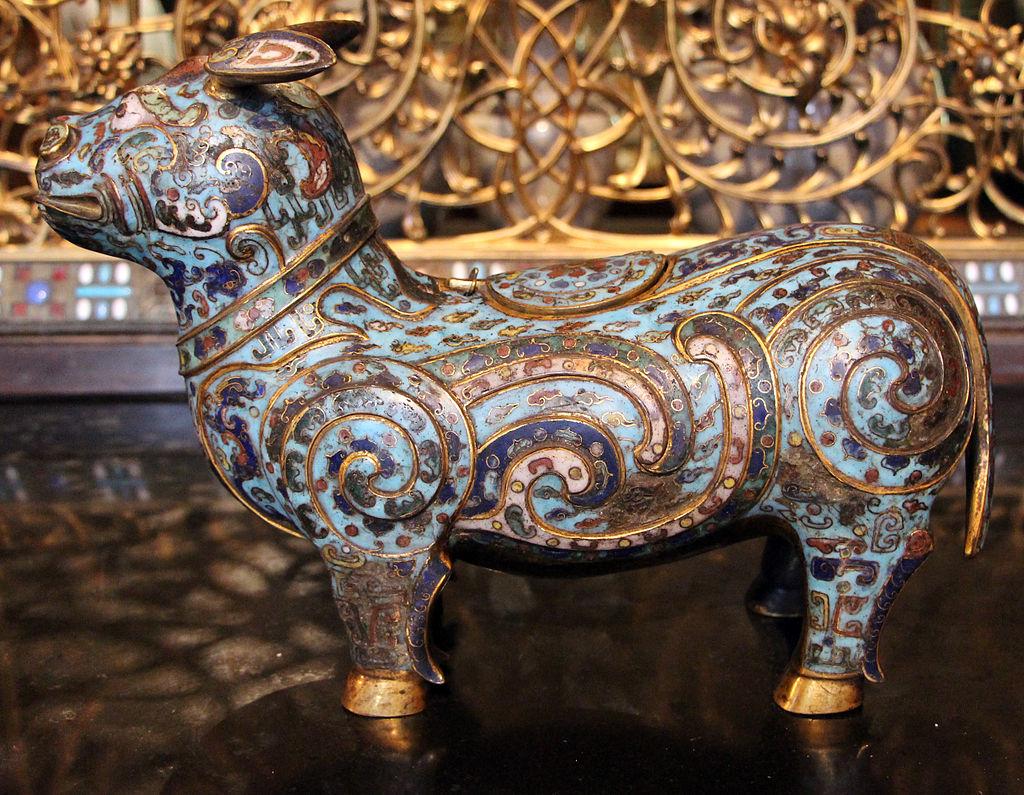 Cina,_dinastia_ming-inizio_qing,_recpiente_da_vino_a_forma_di_tapiro,_xvii-xviii_sec..JPG