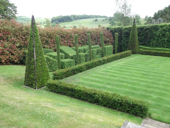 croquet-lawn.jpg