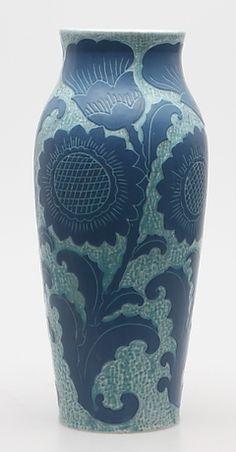 d7a0be5c9485ae68e18fc8355b59ea1d--sgraffito-ceramic-sculptures.jpg