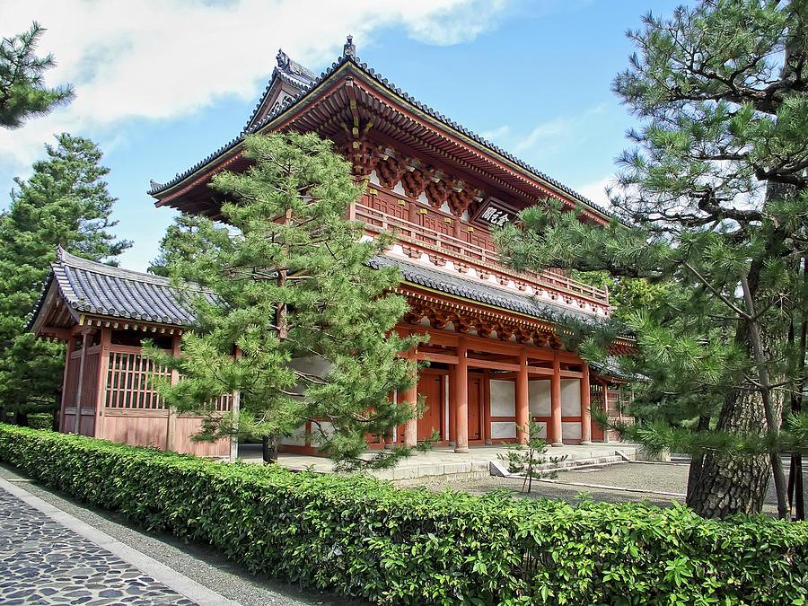 daitoku-ji-zen-temple-gate--kyoto-japan-daniel-hagerman.jpg