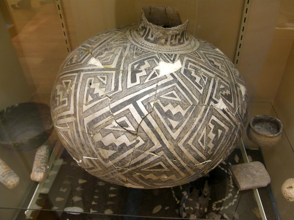 Deming-Luna-Mimbres-Museum-pot.jpg