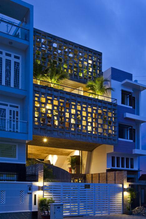 dezeen_Binh-Thanh-House-by-Vo-Trong-Nghia-and-Sanuki-+-Nishizawa_2.jpg