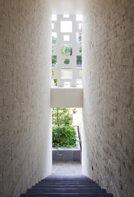 dezeen_Binh-Thanh-House-by-Vo-Trong-Nghia-and-Sanuki-+-Nishizawa_20.jpg