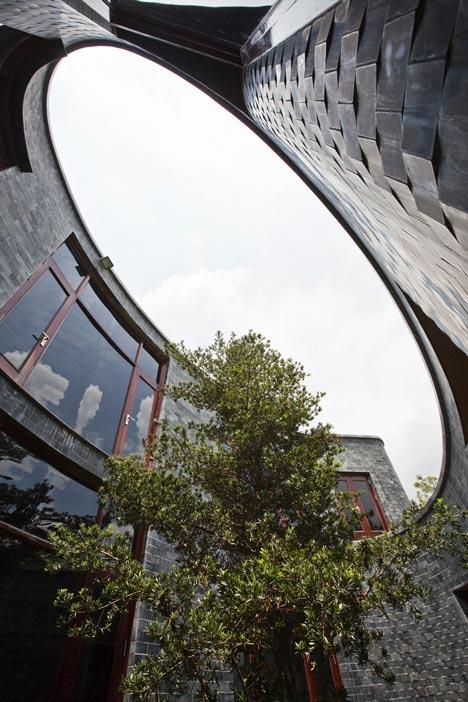 dezeen_Stone-House-by-Vo-Trong-Nghia_2.jpg