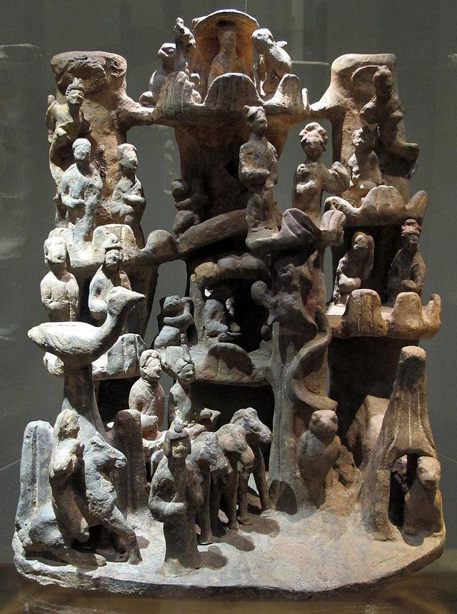 Dinastia_han_orientale,_sichuan,_base_figurata,_25-220_dc._ca._01.JPG
