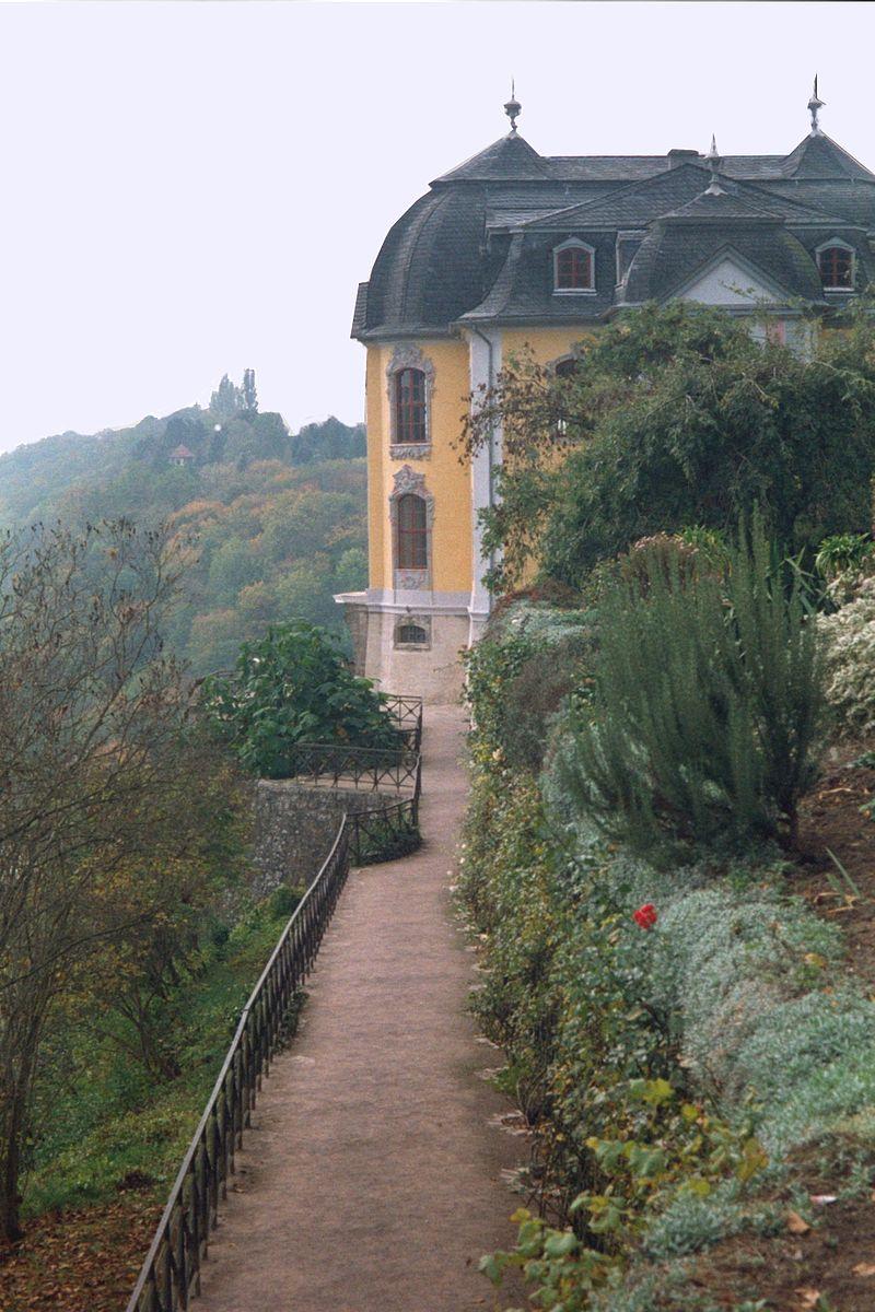 Dornburg,_the_Rokoko_palace.jpg