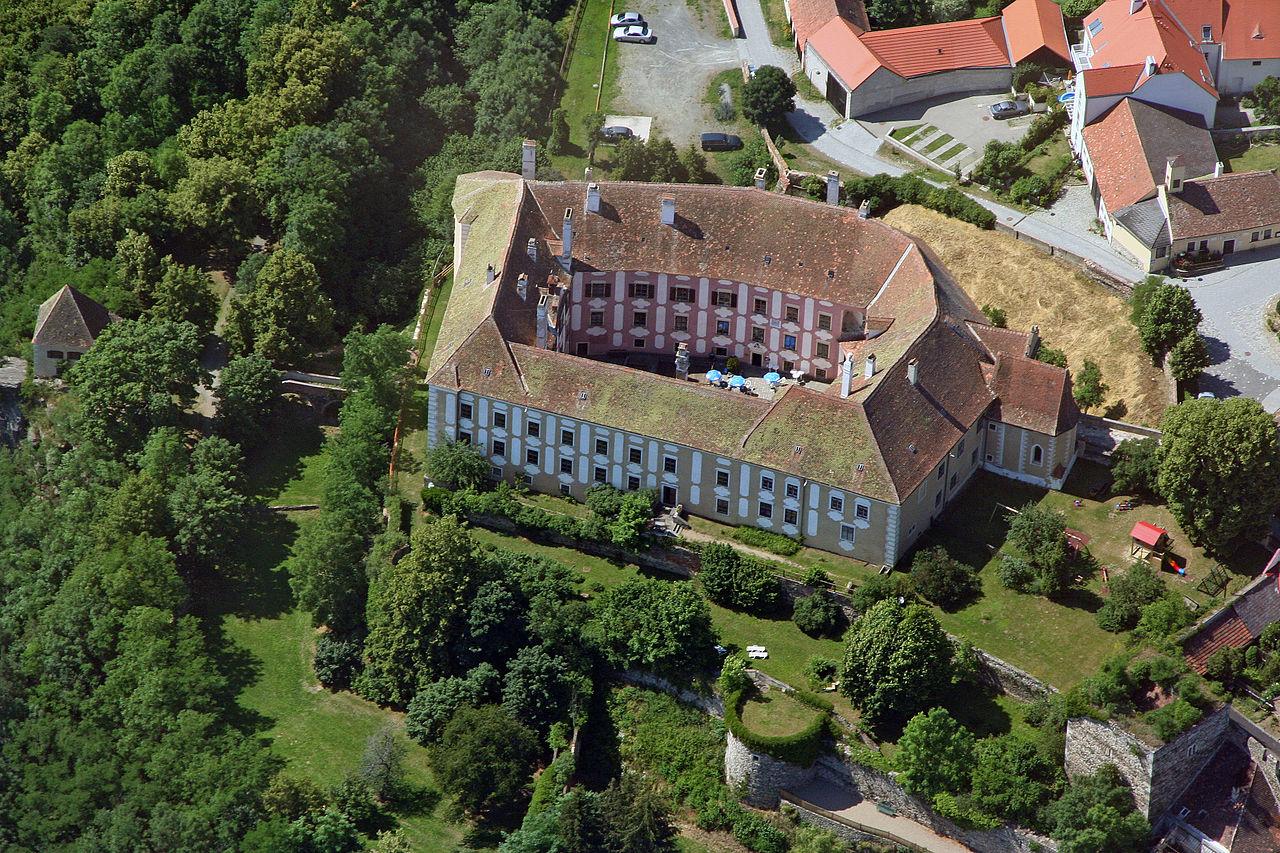 Drosendorf-Zissersdorf_Schloss_Drosendorf.JPG