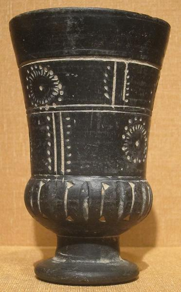 Earthenware_cup,_Afghanistan,_Gandhara,_2nd_century_CE,_HAA.JPG