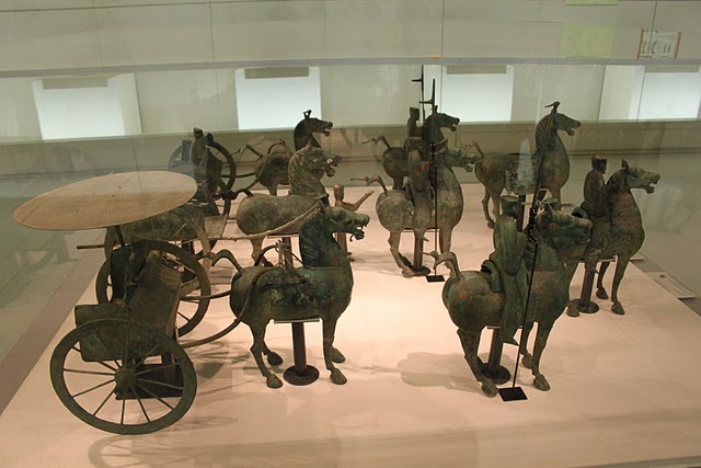 Eastern_Han_Bronze_Cavalry_and_Chariots1.JPG