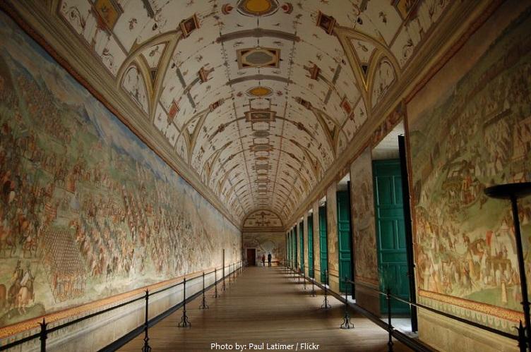 el-escorial-hall-of-battles.jpg