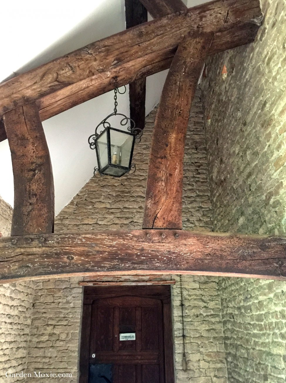 entrance-beams.jpg