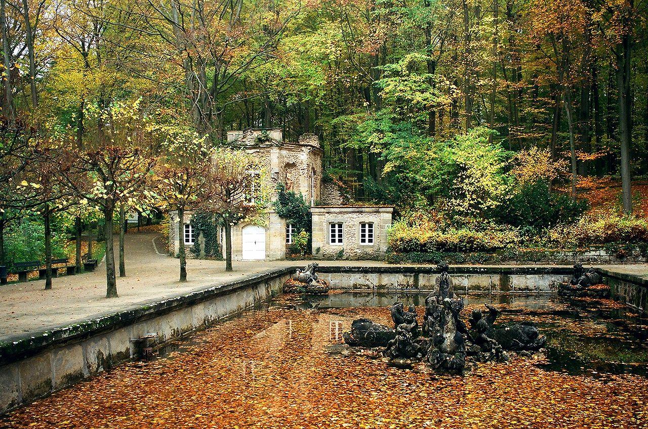 Eremitage_(Bayreuth),_Untere_Grotte_und_Eremitage_des_Markgrafen_Friedrich.jpg