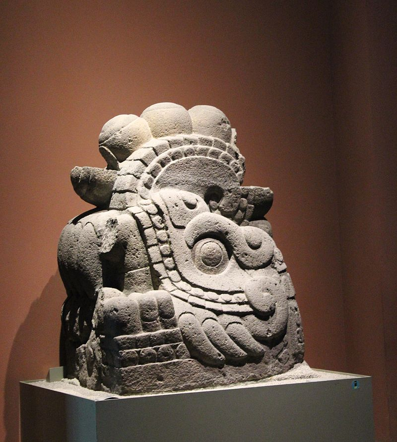 Exhibits_at_the_National_Anthropology_Museum,_Mexico_City_IMG_7448.JPG
