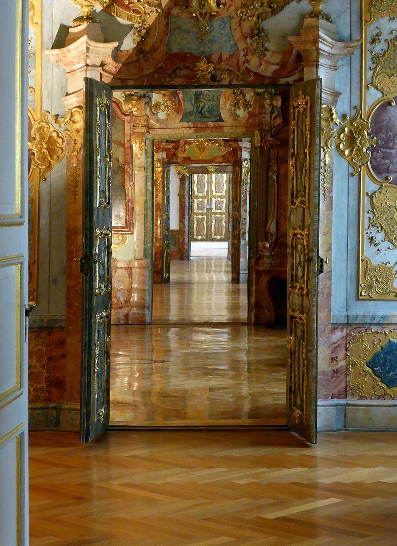 Fürstäbtliche_Residenz,_Türen_(7).jpg