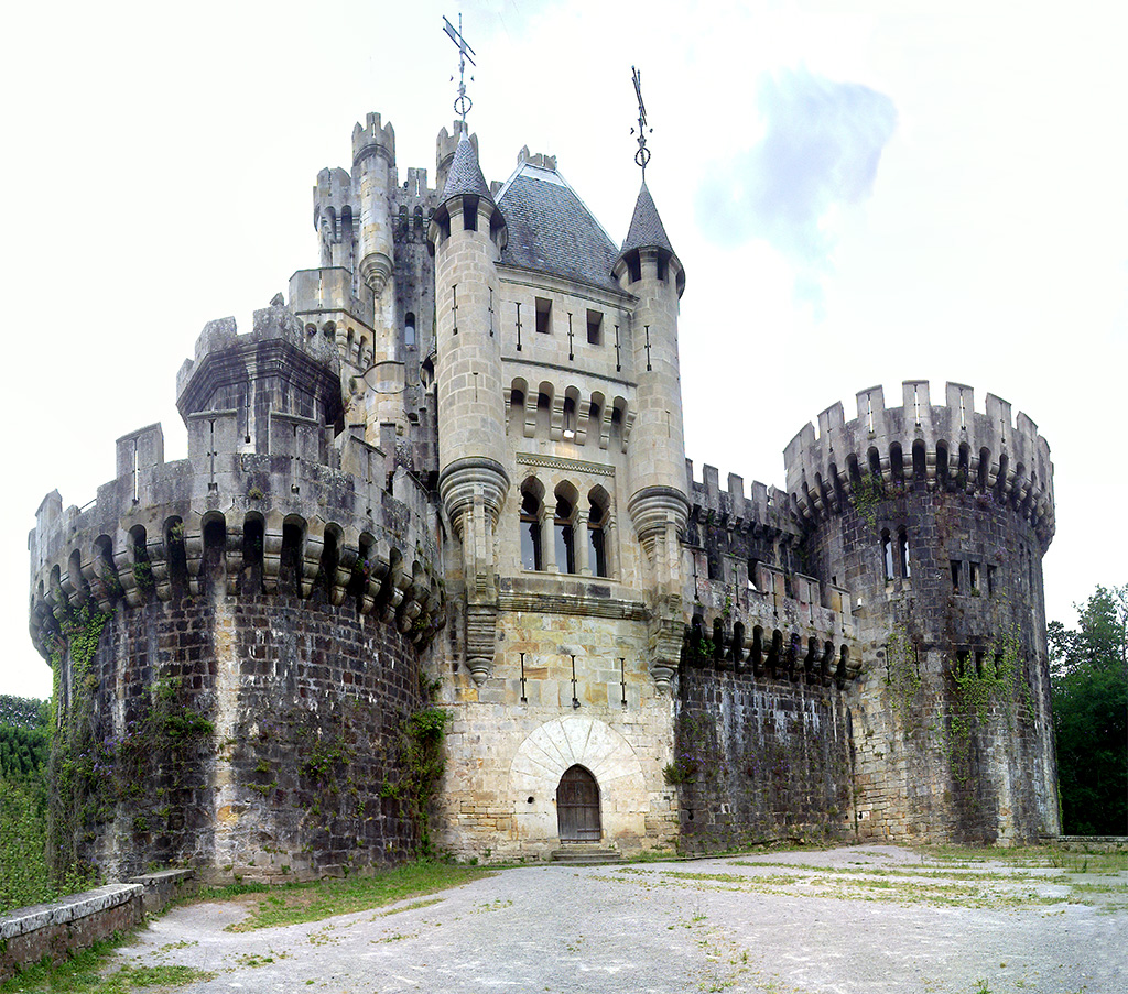 Fachada_del_castillo_de_Butrón.jpg