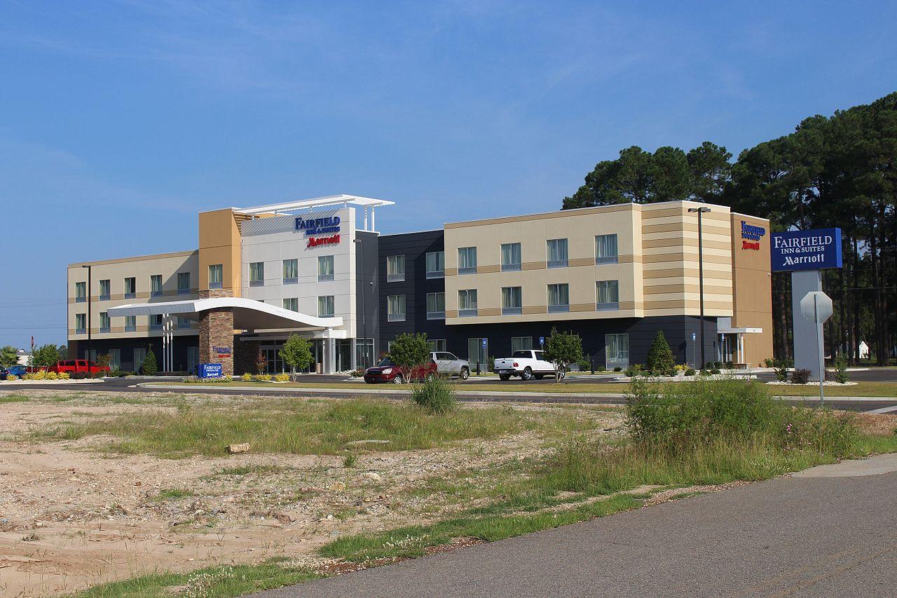 Fairfield_Inn_&_Suites_Marriott,_Douglas.jpg