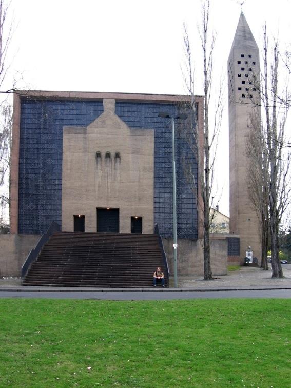 Fatima_Friedenskirche_Kassel_2006.jpg
