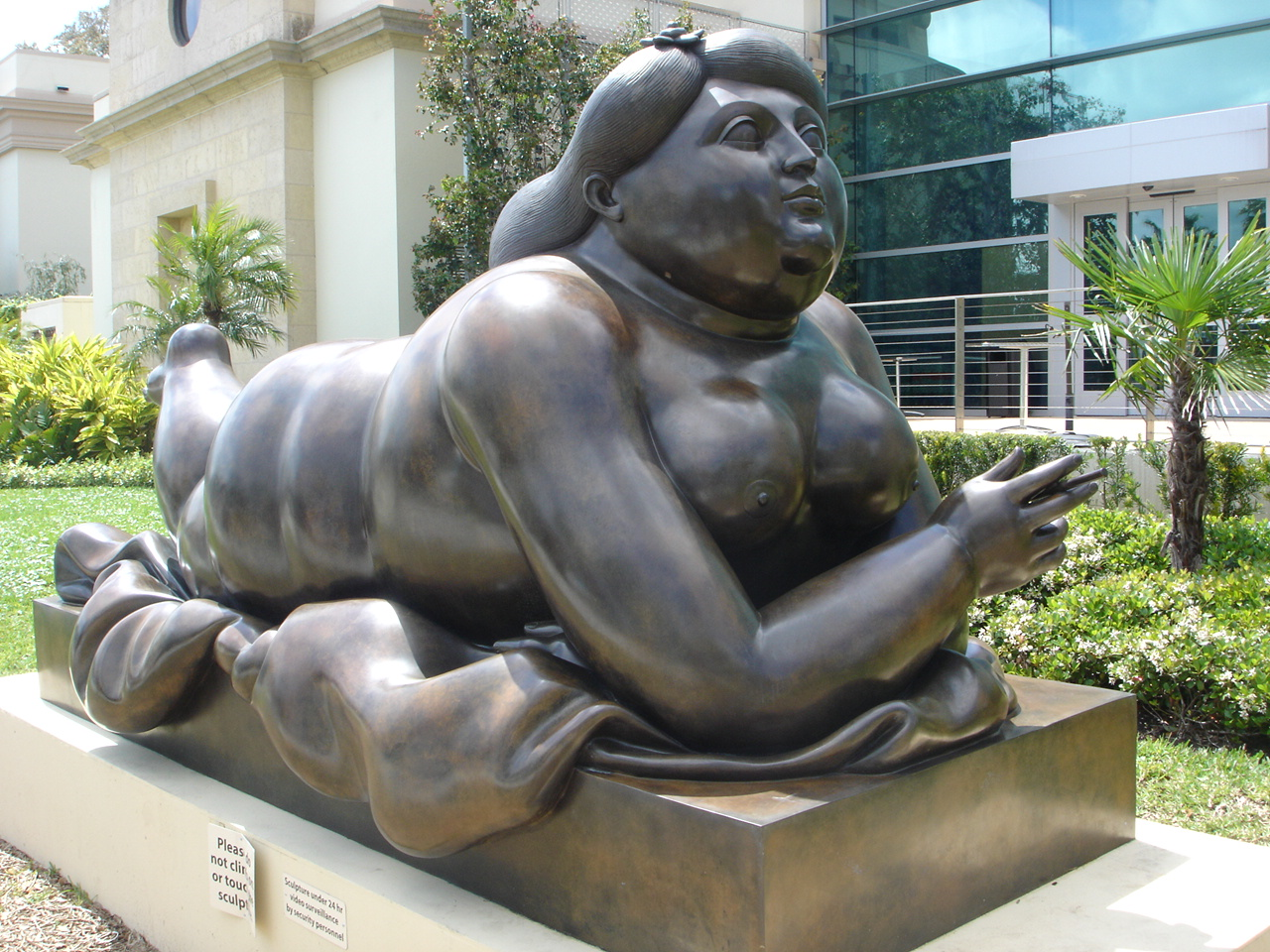 Fernando-Botero-Reclining-girl-with-cigarette.jpg