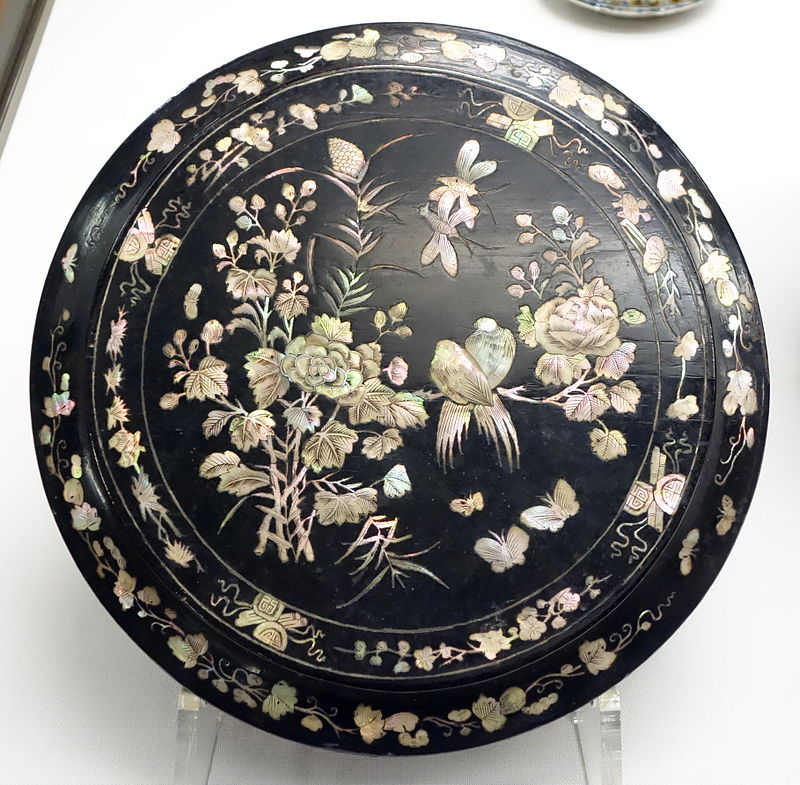 Food_Box,_view_2,_Ryukyu,_Second_Sho_Dynasty,_Ryukyu_Kingdom,_18th_century,1.JPG