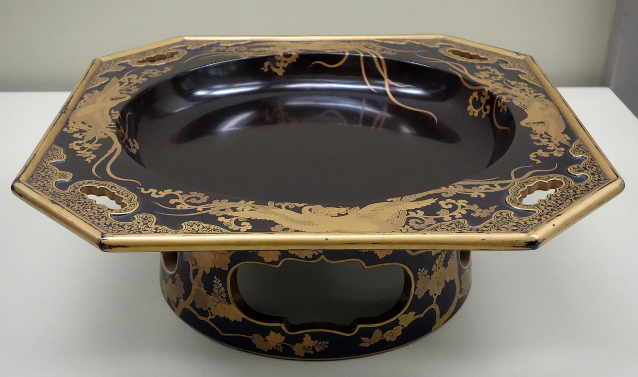 Footed_Tray,_Edo_period,_18th_century,_phoenix_05977.JPG