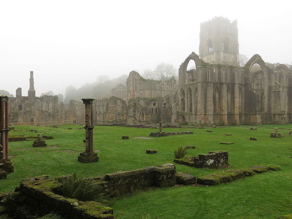 Fountain_Abbey_grounds_from_the_Infirmary.JPG
