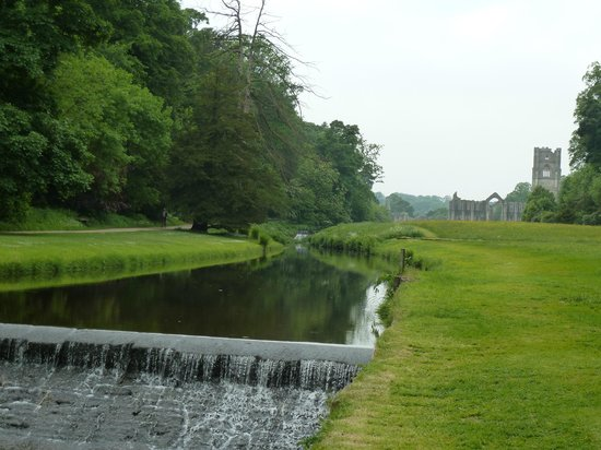 fountains-abbey-and-studley.jpg