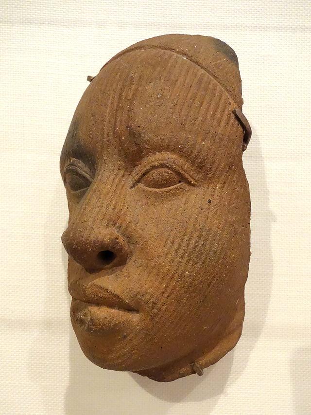 Fragment_of_a_head,_Yoruba,_Ife,_Osun_state,_Nigeria,_1100-1500_AD,_.JPG