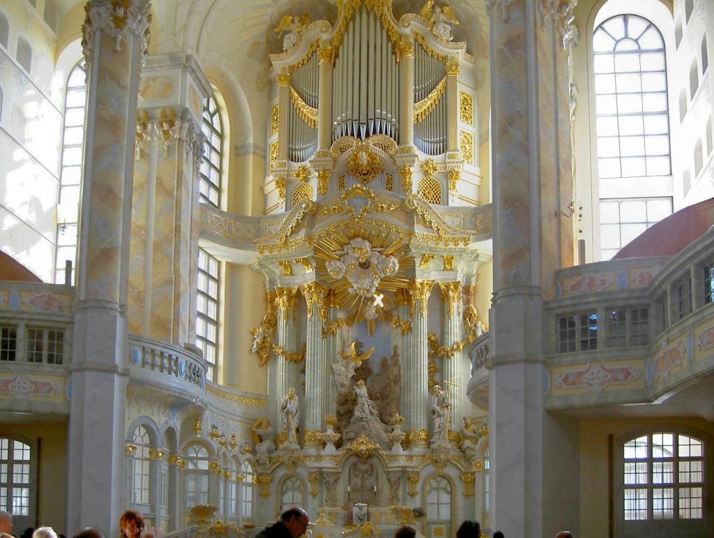frauenkirche3.jpg