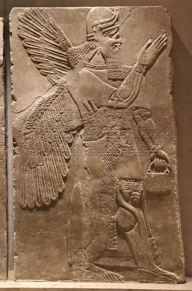 Genien,_Nimrud_870_v._Chr._Aegyptisches_Museum,_Muenchen-6.jpg