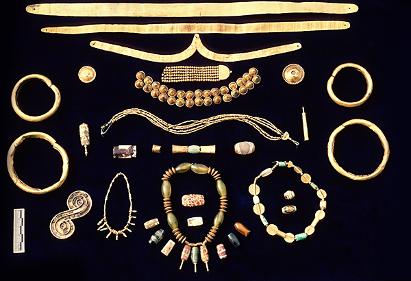 Gold-from-Indus-Valley.jpg